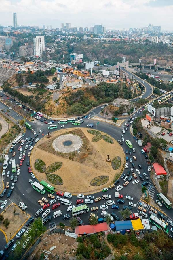 Mexico City traffic circle © Audi Urban Future Initiative